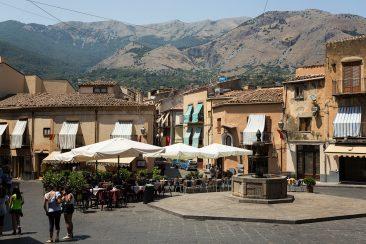 Castelbouno - malé mastečko vo vnútrozemí