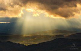 Jarný západ slnka v regióne severného Podpoľania