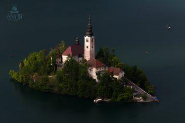 Kostol Nanebovzatia Panny Márie, ostrov na jazer Bled, Slovinso
