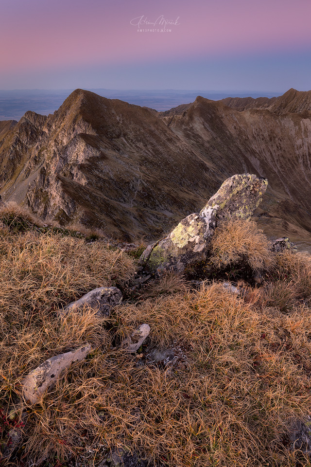 Pod vrcholom Arpasu Mare (2468m), Fagaras, Rumunsko