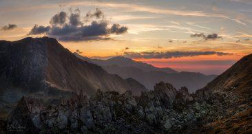 Na jednom z mnohých bočných hrebeňov pohoria Fagaraš (Rumunsko)