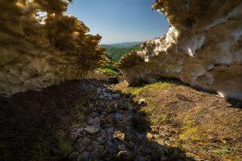 Pozostatky lavíny vo Veľkej Fatre