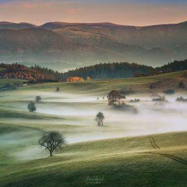 Severné Podpoľanie s Nízkymi Tatrami v pozadí